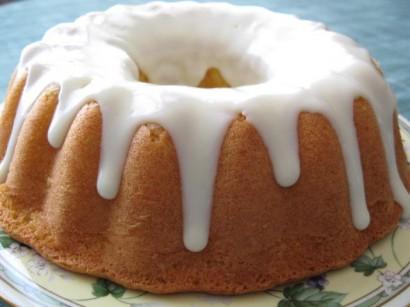 Beyaz Çikolata Soslu Kek
