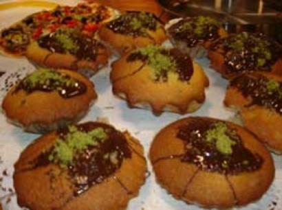 Oktay Usta Meyveli Çikolatali Top Kek