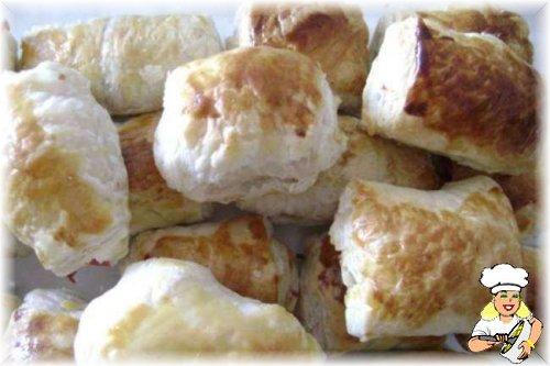 Sosisli Kaşarlı Milföy Böreği
