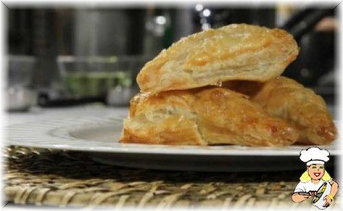 Tavuklu Dereotlu ve Limonlu Milföy Böreği