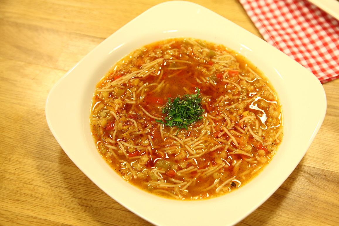Sebzeli Şehriye Çorbası