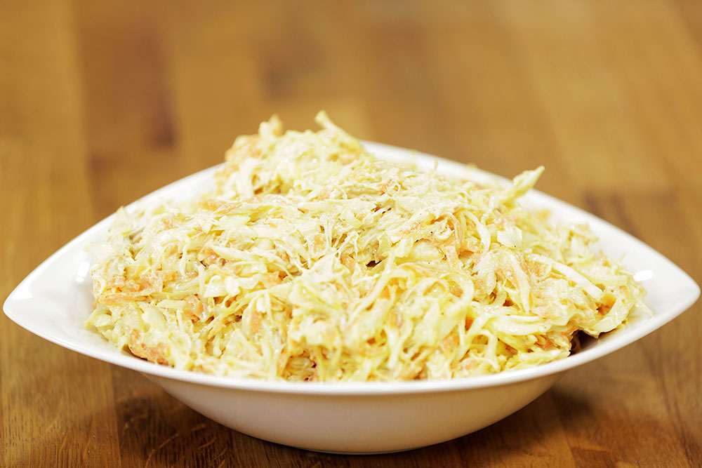 Tavuklu Lahana Salatası (Coleslow)