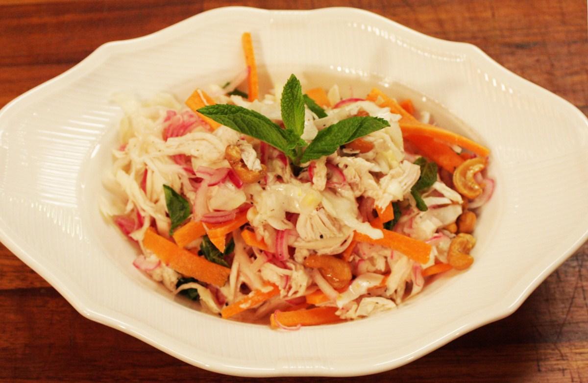 Vietnam Usulu Tavuk Salatası